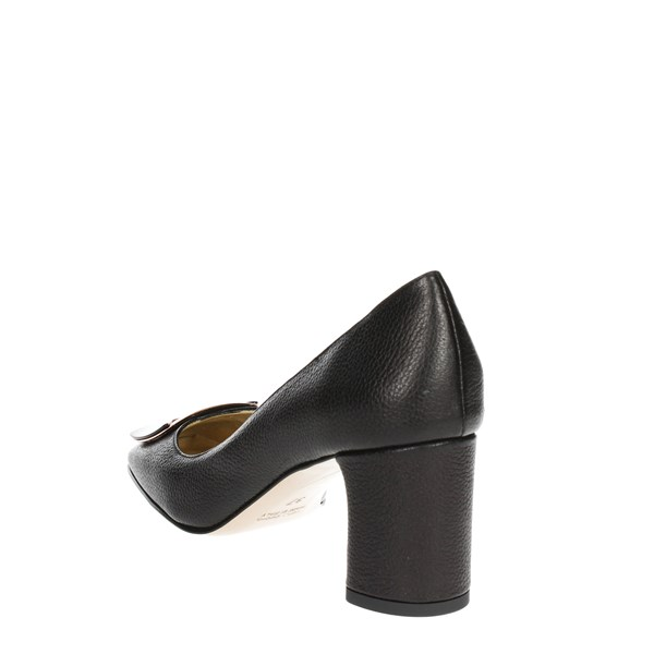 Angela C. Shoes Pumps Black 8634