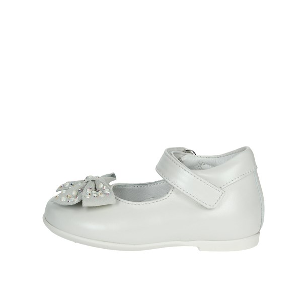 Le Petit Bijou Shoes Dancers White 1805-1