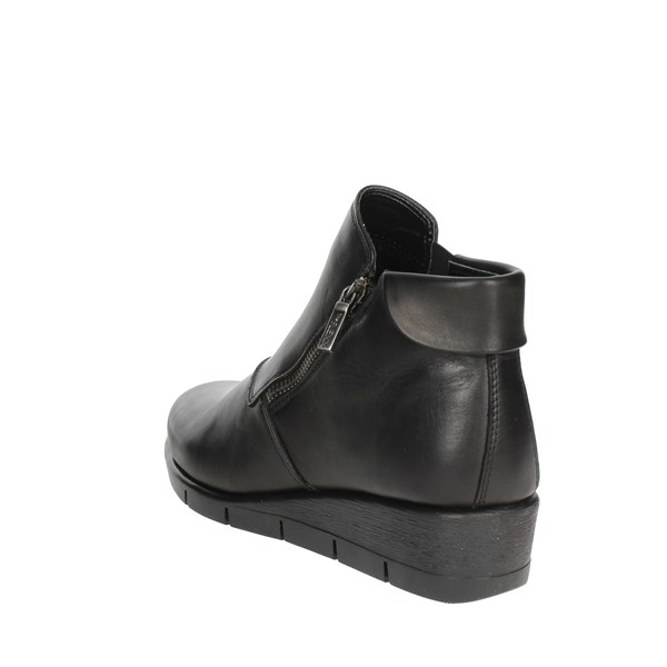 <The Flexx Shoes Ankle Boots With Wedge Heels Black B235 09