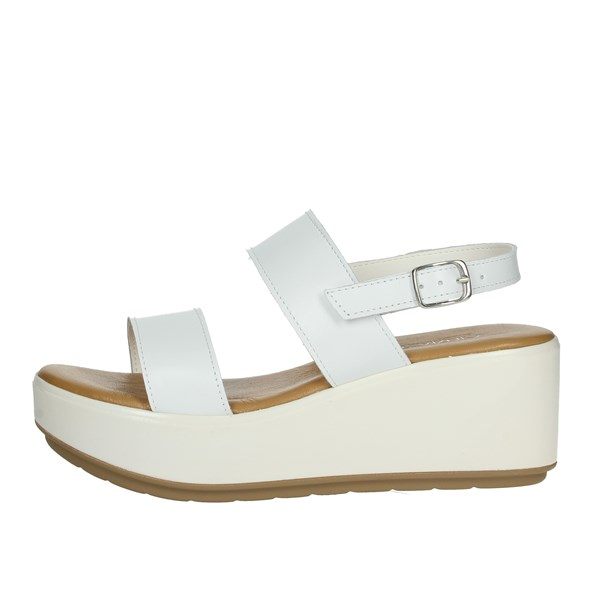 Cinzia Soft Shoes Sandals White IAF62994