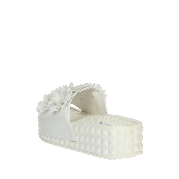 <Laura Biagiotti Shoes Clogs White 5409