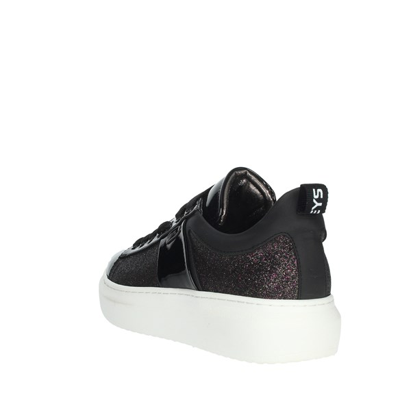Keys Shoes Sneakers Black K140