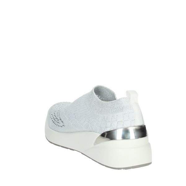 Pregunta Shoes Sneakers White MCD602